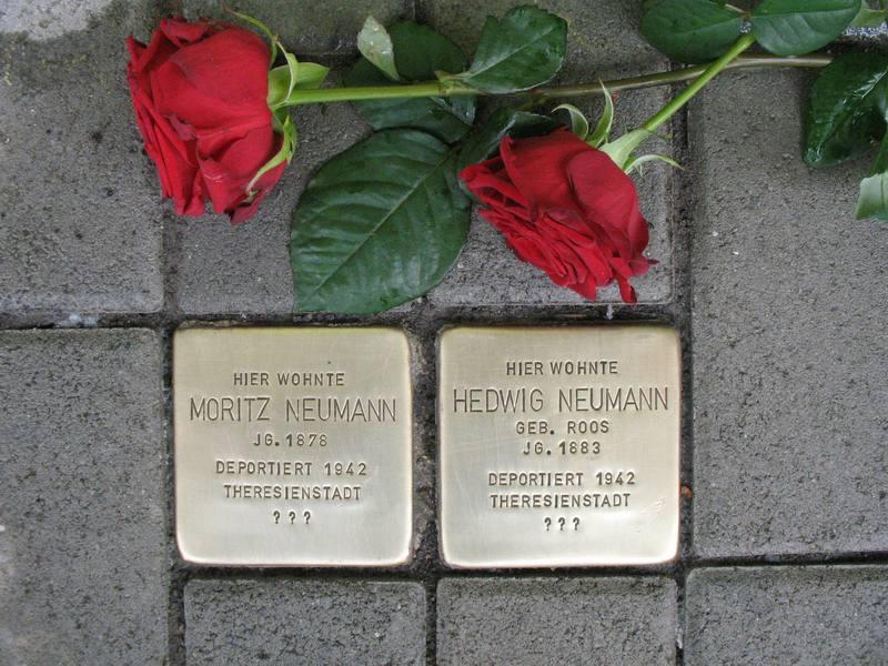 Stolpersteine für Moritz und Hedwig Neumann, Bahnhofstr. 79